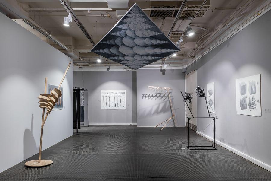 «Послушные тела» и «Ассиметрия» в галерее «Триумф»